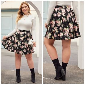 Plus Size Floral Print Pleated Skirt